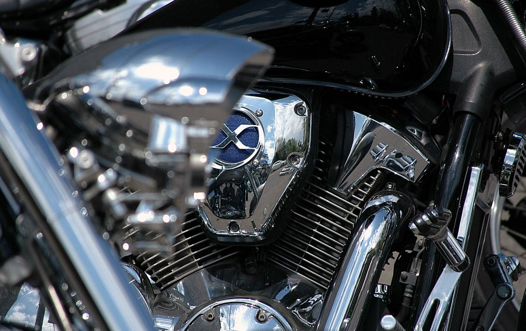 motorcycle02-cropped-small.jpg